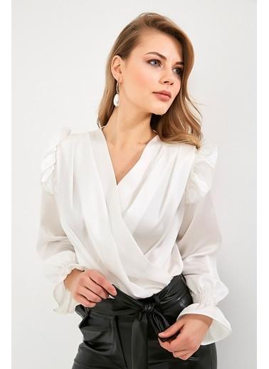 BLACK&GRACE Kadın Beyaz Vatkalı Saten Krep Kolları Gipeli Gömlek Beyaz